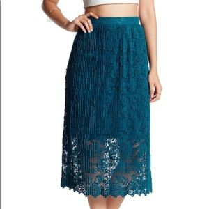 Romeo & Juliet Couture Midi Length Lace Skirt BNWT